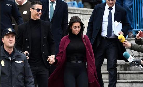 صحيفة إيطالية: رونالدو تزوج سرا في المغرب