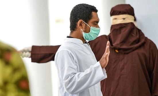 """اندونيسيا : إنهيار مغتصب طفل أثناء تنفيذ حكم """" الجلد """" بـ 169 جلدة"""