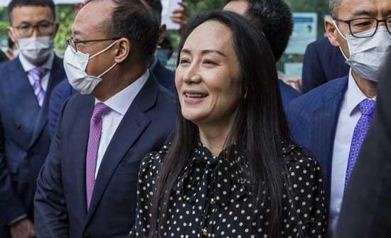 """الصين: التهم الموجهة لمديرة هواوي المالية مينغ وانزو """"ملفقة"""""""