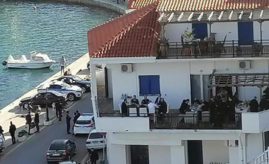 حكومة اليونان تحظر الخروج ورئيسها يستمتع بالهواء الطلق .. فيديو