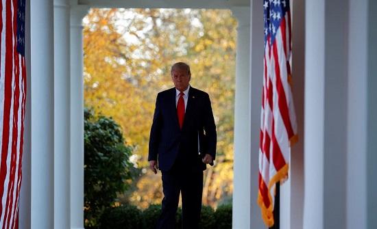 ترمب يعد الأميركيين بتوفير لقاح كورونا في أسرع وقت