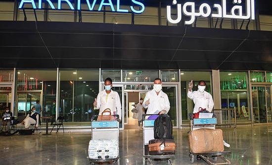 الكويت لمصر: نراجع قرار وقف الطيران بين البلدين