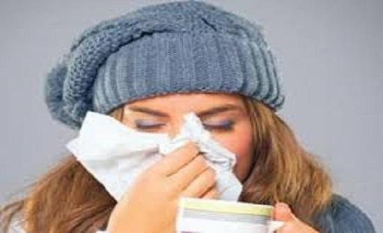 خرافات شائعة عن نزلات البرد.. لا تصدقها