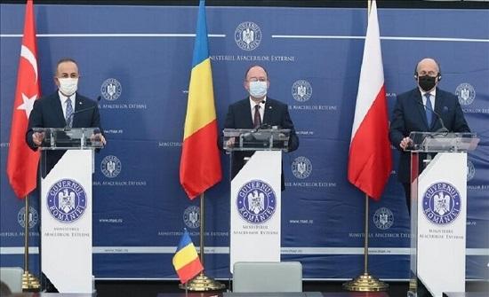 تشاووش أوغلو: يجب إبقاء البحر الأسود بعيدا عن التوترات
