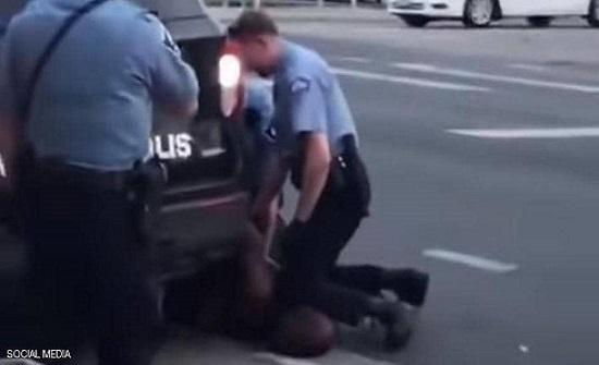 الشرطي الأميركي الذي قتل فلويد.. حوار يكشف تفاصيل صادمة