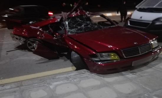 بالصور : وفاة سائق مركبة عشريني في حادث تصادم في العقبة