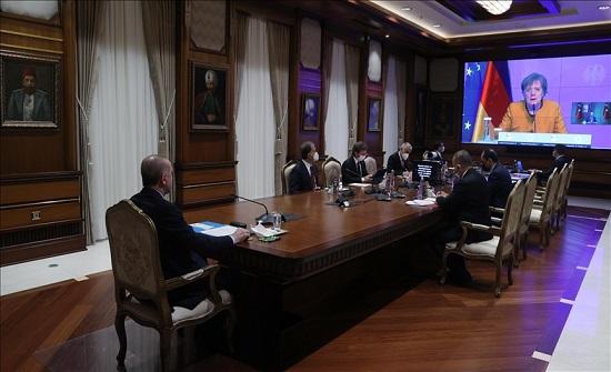 أردوغان يدعو الاتحاد الأوروبي لدعم عودة السوريين الطوعية