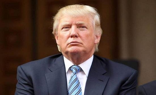 خوفًا على شعره.. ترامب يسعى لتغيير بعض القواعد الحكومية المتعلقة بالاستحمام والمياه