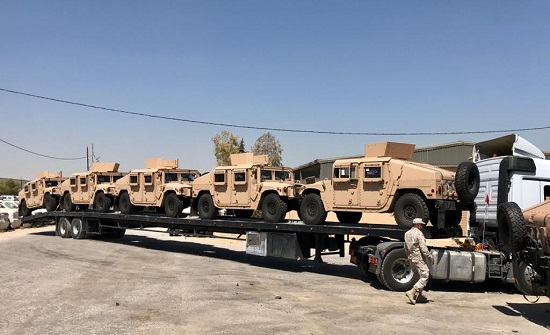 القوات المسلحة تتسلم دفعة جديدة من الآليات العسكرية