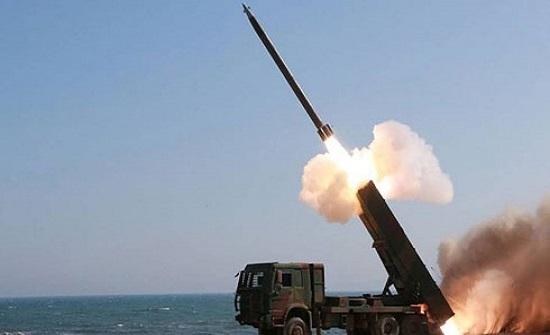 الدفاعات السعودية تدمر صاروخ باليستي أطلقه الحوثي
