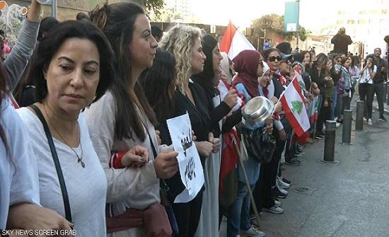 انتشار مكثف للأمن وسط بيروت.. والمحتجون يتحدون البرلمان