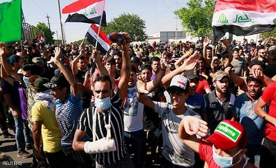 """احتجاجات العراق.. قرار عبدالمهدي """"يفاقم"""" الغضب الشعبي"""