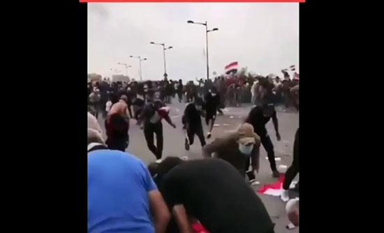 بالفيديو.. الأمن العراقي يطلق الرصاص الحي بكثافة على المتظاهرين
