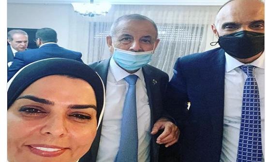 صورة : الرياطي تنشر صورة سيلفي مع رئيس الوزراء