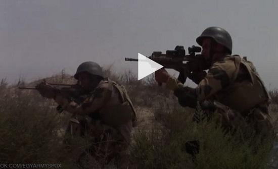 """مصر.. فيديو """"عملية بئر العبد"""" ضد إرهابيين يحقق انتشارا هائلا"""