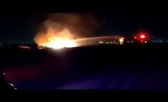 بالفيديو : اشتعال النيران في طائرة إسرائيلية