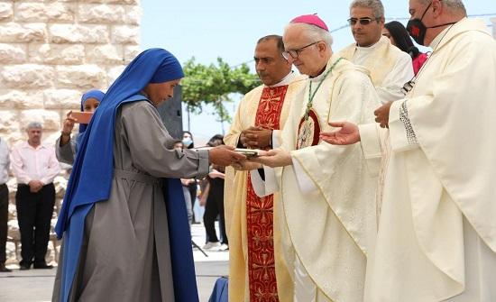 عجلون: الكنيسة الكاثوليكية تحيي يوم الحج المسيحي بكنيسة سيدة الجبل