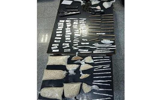 إلقاء القبض على خمسة مروجين للمواد المخدرة في محافظة مأدبا