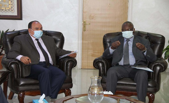 العلوم الإسلامية تبحث تعزيز التعاون العلمي مع بوركينا فاسو