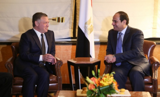 الملك والرئيس المصري يبحثان هاتفياً العلاقات الثنائية والتطورات الإقليمية