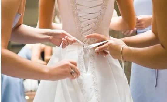في بريطانيا : عروس تنام وتنسى موعد الزفاف