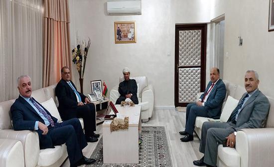 الهيئة العربية للطاقة المتجددة تبحث التعاون مع سلطة عُمان