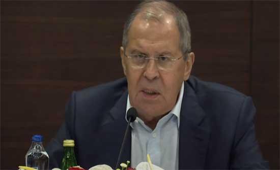 """لافروف: يجب إشراك قيادة """"الجيش الوطني"""" وممثلي النظام السابق في التسوية الليبية"""