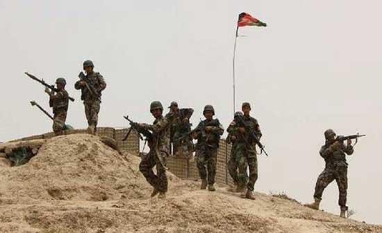 300 جندي أفغاني يلجأون لطاجيكستان هرباً من طالبان