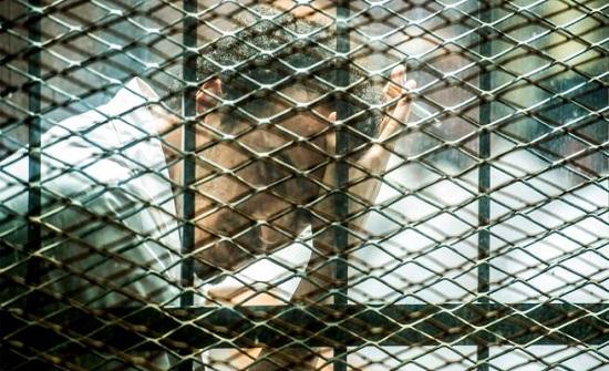 العفو الدولية: على السلطات المصرية الإفراج فورا ودون شروط عن كل الصحفيين المعتقلين لمجرد قيامهم بمهامهم