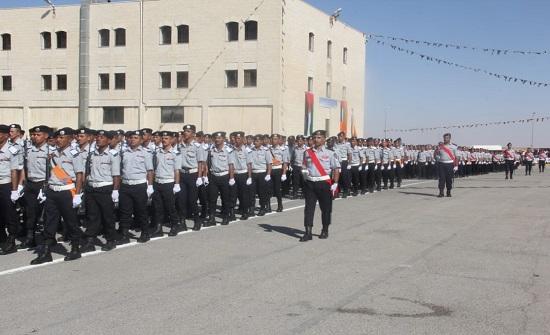 الدفاع المدني يحتفل بتخريج دورة المستجدين