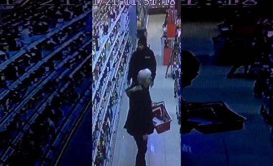 بالفيديو : شاب يحطم زجاجات الخمور داخل مركز تجاري في ألمانيا