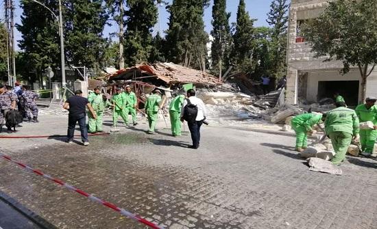 نائب أمين عمان يتفقد موقع حادث مطعم شارع الرينبو