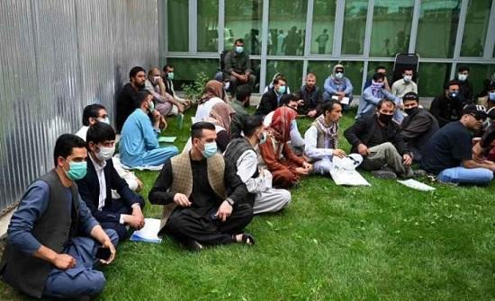 نائب كويتي يعتبر استضافة المترجمين الأفغان تهديدا لأمن البلاد وزملاؤه يرفضون القرار