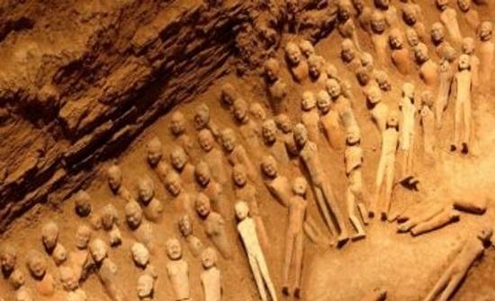 مصر: اكتشاف 8 مقابر ترجع للعصر الروماني