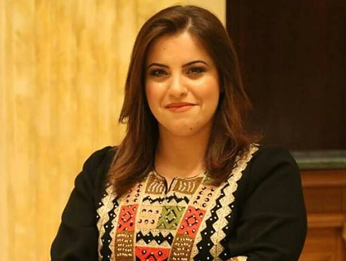 """الشاعرة العموش توقع ديوانها """"نبض الليالي"""" بمعرض القاهرة الدولي للكتاب"""