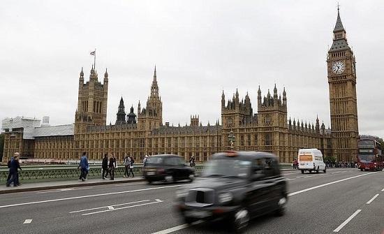 لندن.. مواجهات بين الشرطة ومناهضين للقاح والحجر الصحي