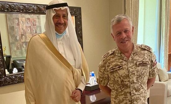 الملك يلتقي السفير السعودي في عمان