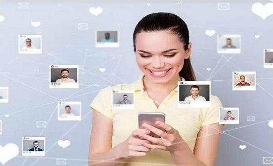 تصرفات على الإنترنت تدل على ضعف علاقتك الزوجية