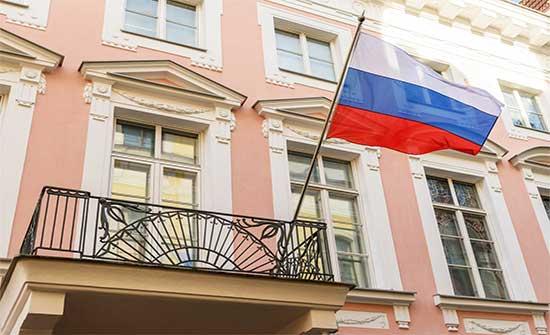 رومانيا تعلن ترحيل دبلوماسي روسي وسفير روسيا يرد