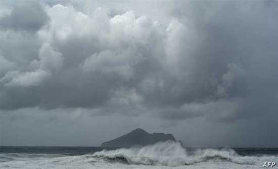 الصين تلغي رحلات جوية مع اقتراب إعصار إن- فا