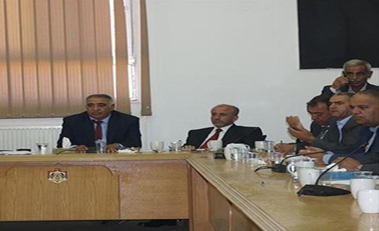 المومني : خطة شمولية لتقديم خدمات البنية التحتية والخدمية في عجلون