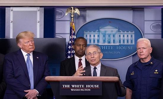 كبير خبراء البيت الأبيض يحذر من التسرع بإنهاء إغلاقات كورونا