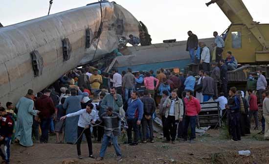 19 وفاة و185 مصابًا إجمالي ضحايا حادث تصادم قطارين في سوهاج