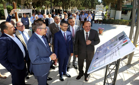 """""""الأردنية"""" تفتتح مشروع الشجرة الشمسية"""
