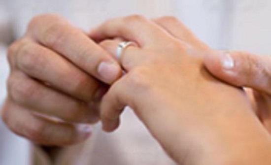 الاردنيون يقبلون على المشاركة في دورات المقبلين على الزواج