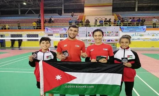 الأردن تحصد 5 ميداليات في بطولة الجزائر للريشة الطائرة
