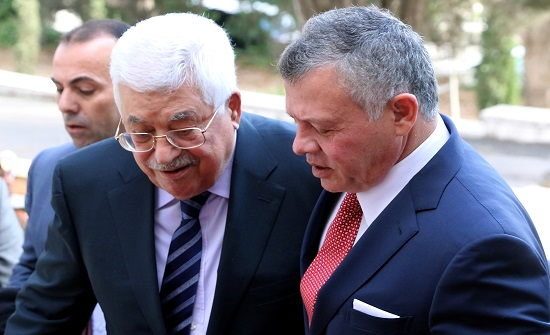 الصفدي ينقل رسالة من الملك إلى عباس