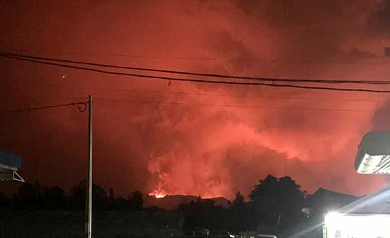 ثوران بركان بالقرب من غوما بالكونغو يثير ذعر السكان .. بالفيديو
