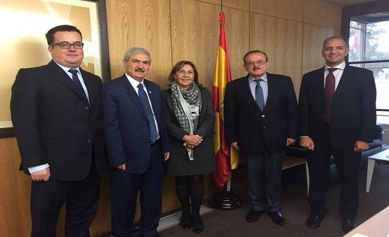 رئيس جامعة الأميرة سمية للتكنولوجيا يلتقي السفيرة الاسبانية