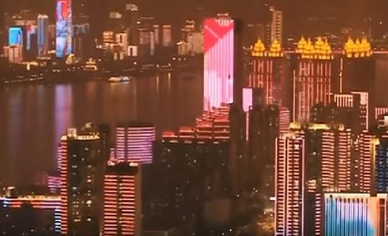 بؤرة تفشي كورونا في الصين تحتفل وتنتعش من جديد..فيديو